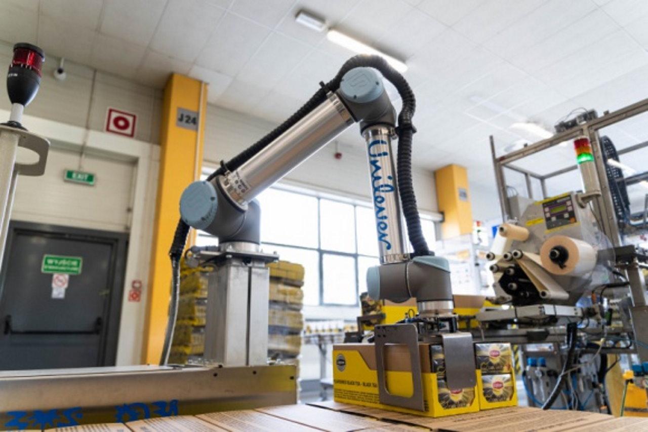 Roboty cobot